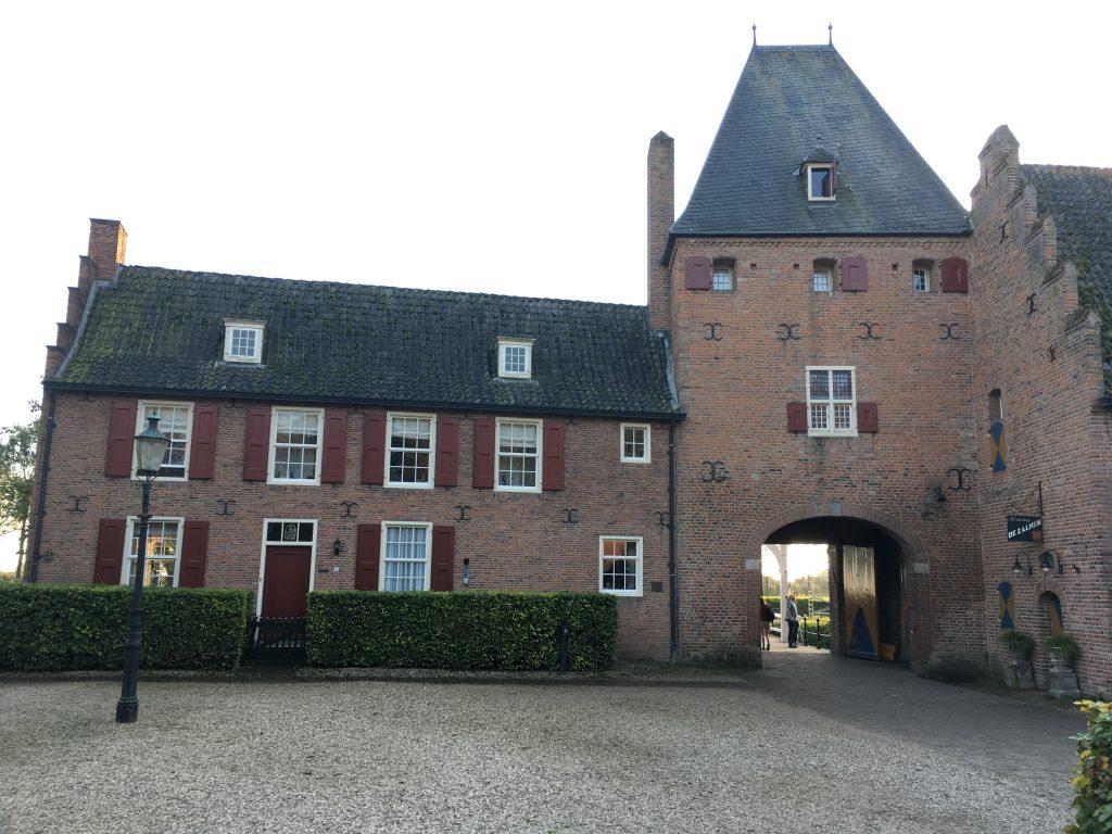 poortgebouw kasteel doorwerth